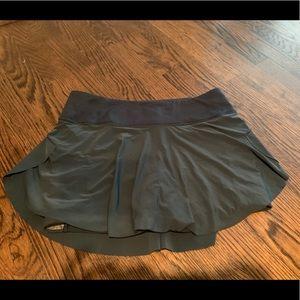 Lululemon athletica running skirt sz 2